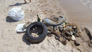 Nettoyage plage du port St Pierre Hyères @ parking des pecheurs | Hyères | Provence-Alpes-Côte d'Azur | France